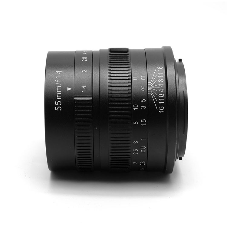 7artisans 55mm F1.4 manual focus lens Sony systeem camera